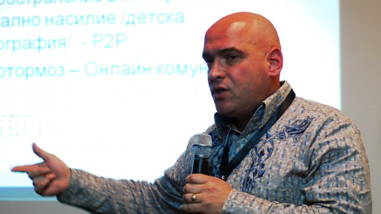 Yavor_Kolev_obiasniava_za_zaplahite_v_internet