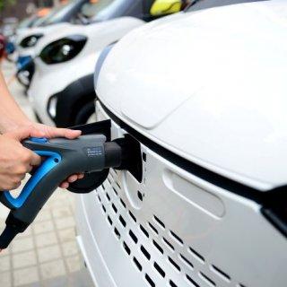 Германската Next.e.Go ще инвестира 140 млн. лева в завод за електромобили в България