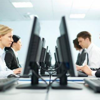 Една четвърт от фирмите в България очакват трайно намаляване на заетостта заради Covid-19